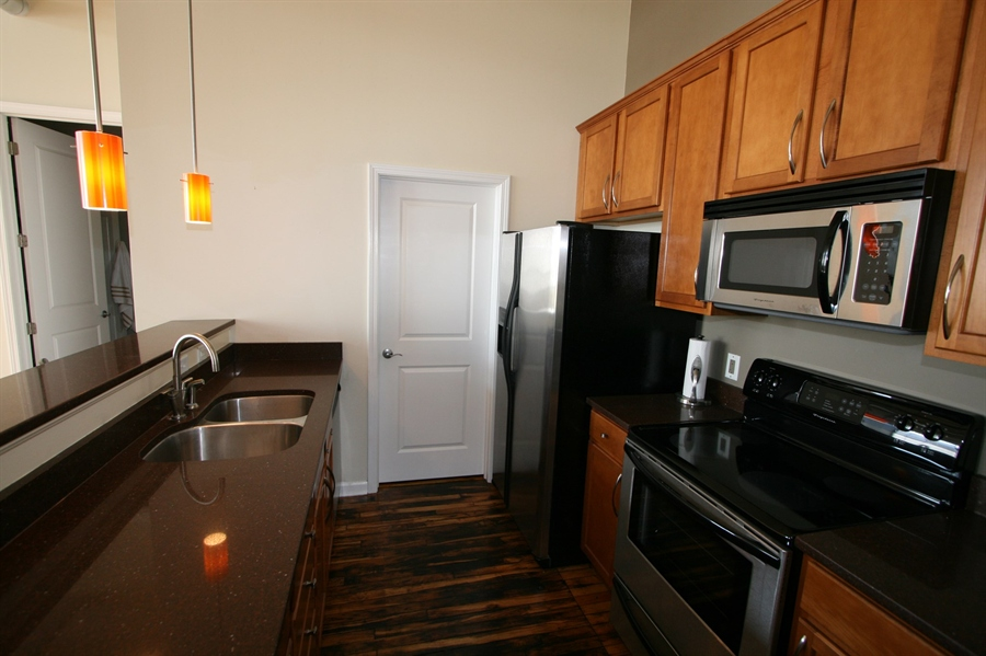 Real Estate Photography - 624 E Walnut St, Apt 26, Indianapolis, IN, 46204 - Location 16