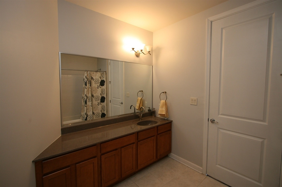 Real Estate Photography - 624 E Walnut St, Apt 26, Indianapolis, IN, 46204 - Location 20