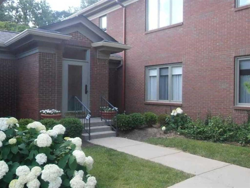 Real Estate Photography - 6530 Meridian Pkwy, Apt C, Indianapolis, IN, 46220 - Location 1