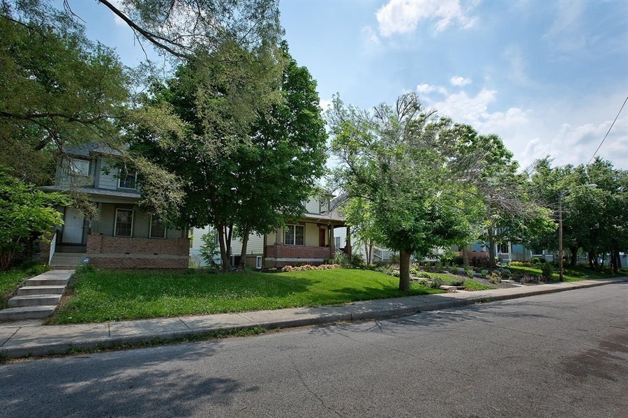 Real Estate Photography - 2029 Ruckle St, Indianapolis, IN, 46202 - Location 2