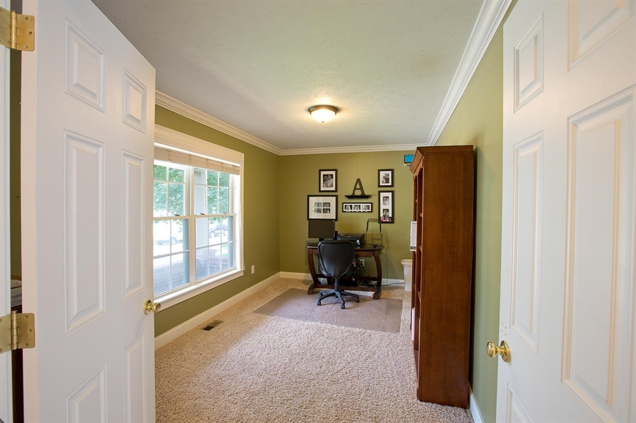 Real Estate Photography - 2029 Ruckle St, Indianapolis, IN, 46202 - Location 12