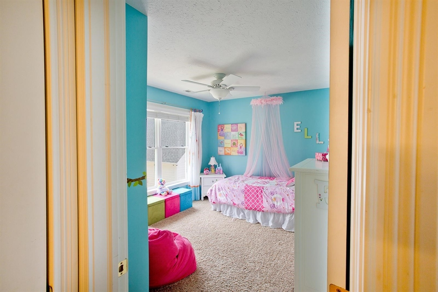 Real Estate Photography - 2029 Ruckle St, Indianapolis, IN, 46202 - Location 17