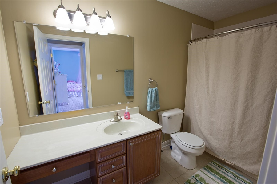 Real Estate Photography - 2029 Ruckle St, Indianapolis, IN, 46202 - Location 18