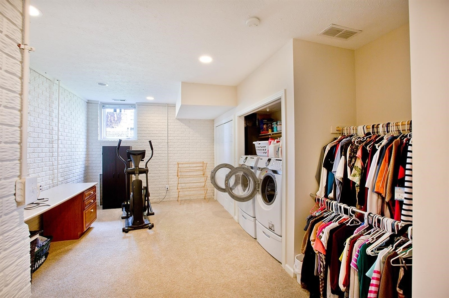 Real Estate Photography - 2029 Ruckle St, Indianapolis, IN, 46202 - Location 23