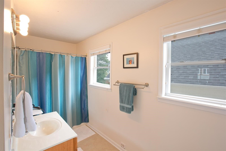 Real Estate Photography - 2029 Ruckle St, Indianapolis, IN, 46202 - Location 30