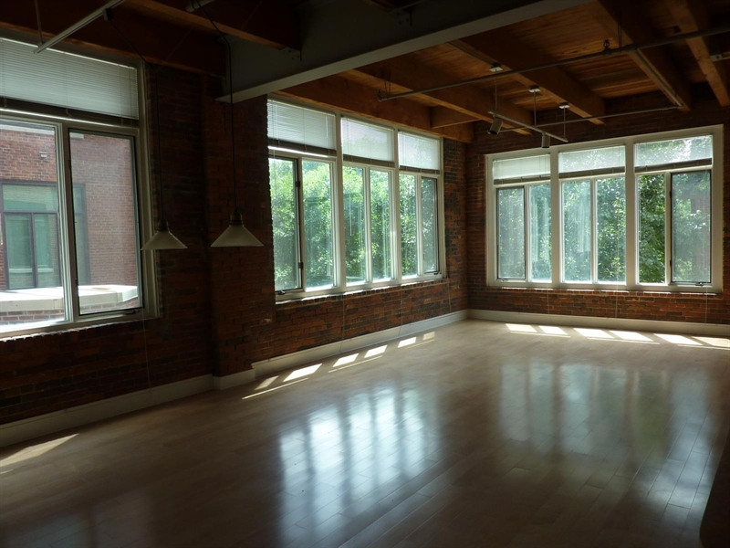 Real Estate Photography - 430 N Park Ave, Apt 212, Indianapolis, IN, 46202 - Location 7