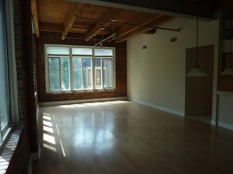 Real Estate Photography - 430 N Park Ave, Apt 212, Indianapolis, IN, 46202 - Location 8