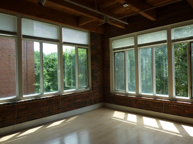 Real Estate Photography - 430 N Park Ave, Apt 212, Indianapolis, IN, 46202 - Location 9