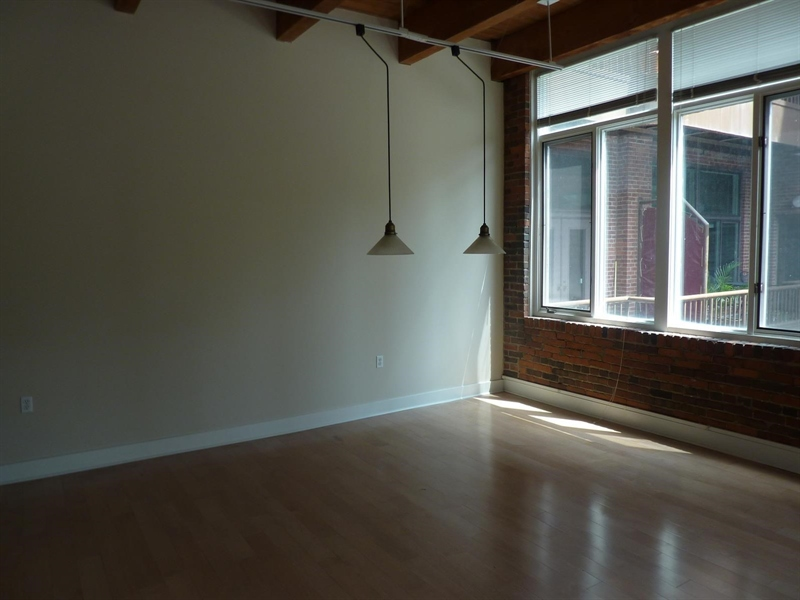 Real Estate Photography - 430 N Park Ave, Apt 212, Indianapolis, IN, 46202 - Location 11
