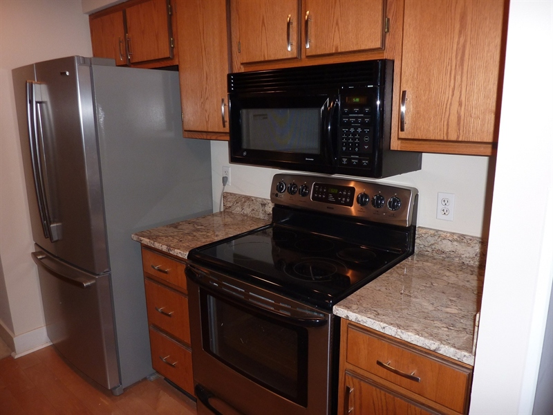 Real Estate Photography - 430 N Park Ave, Apt 212, Indianapolis, IN, 46202 - Location 15