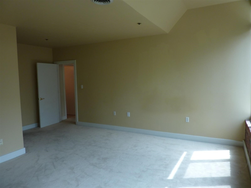Real Estate Photography - 430 N Park Ave, Apt 212, Indianapolis, IN, 46202 - Location 17