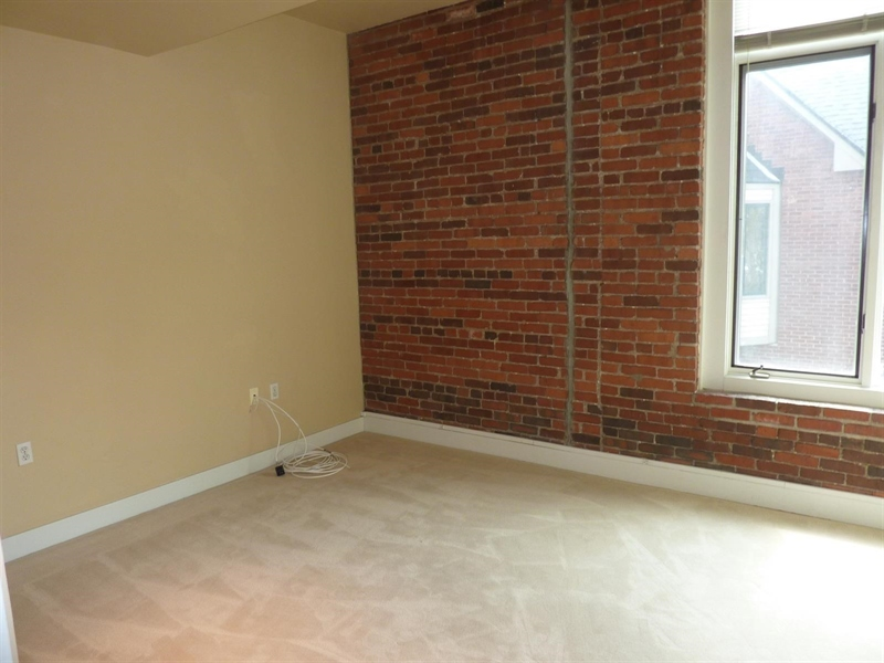 Real Estate Photography - 430 N Park Ave, Apt 212, Indianapolis, IN, 46202 - Location 20