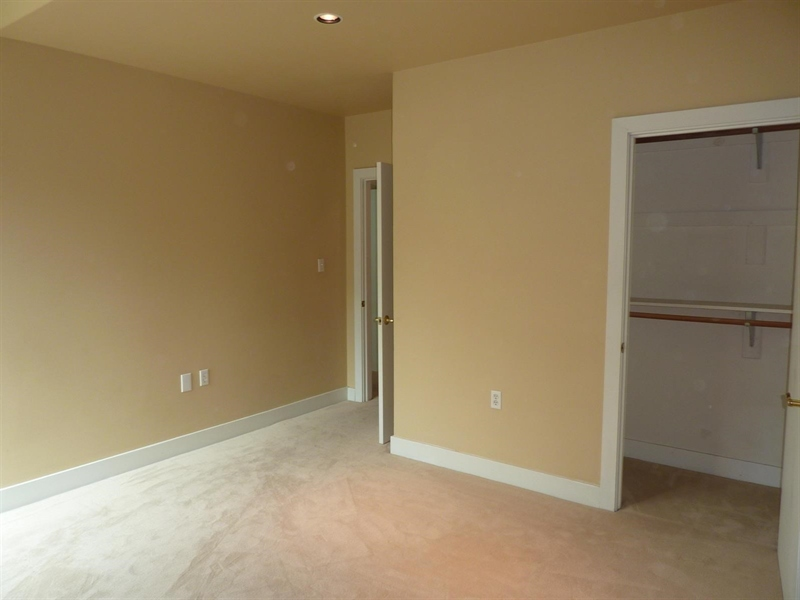 Real Estate Photography - 430 N Park Ave, Apt 212, Indianapolis, IN, 46202 - Location 21