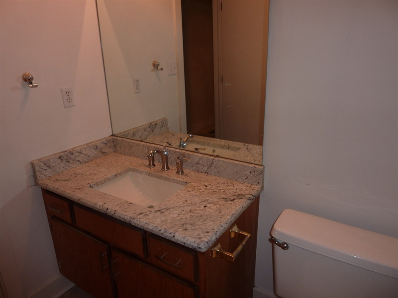 Real Estate Photography - 430 N Park Ave, Apt 212, Indianapolis, IN, 46202 - Location 22