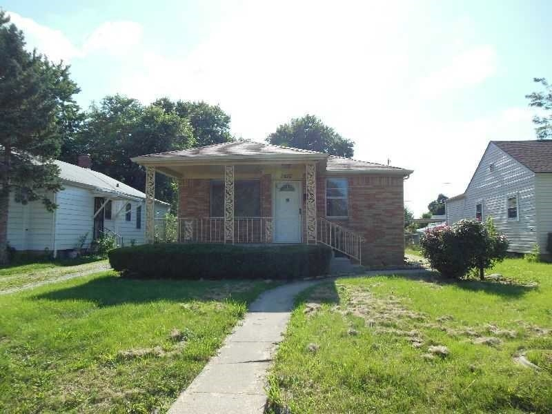 Real Estate Photography - 2416 Villa Ave, Indianapolis, IN, 46203 - Location 2