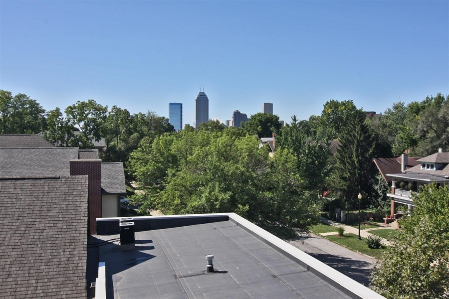 Real Estate Photography - 1529 N Alabama St, # 1A, Indianapolis, IN, 46202 - Location 21