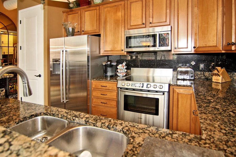 Real Estate Photography - 624 E Walnut St, Apt 11, Indianapolis, IN, 46204 - Location 10