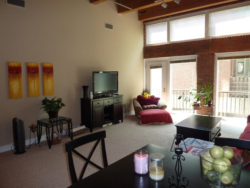 Real Estate Photography - 430 N Park Ave, Apt 103, Indianapolis, IN, 46202 - Location 12