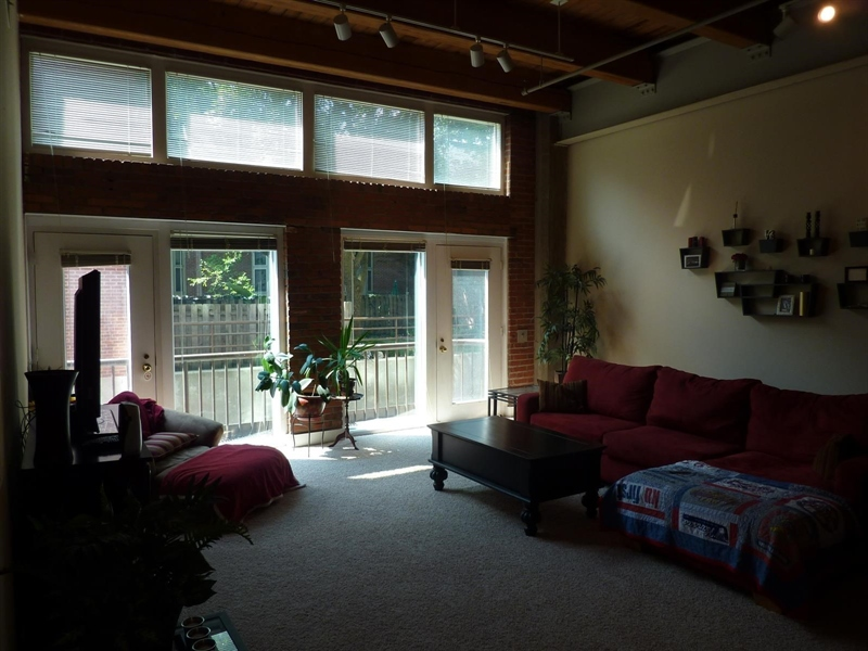 Real Estate Photography - 430 N Park Ave, Apt 103, Indianapolis, IN, 46202 - Location 14