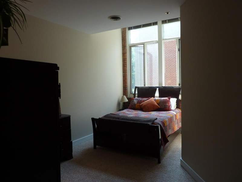 Real Estate Photography - 430 N Park Ave, Apt 103, Indianapolis, IN, 46202 - Location 16