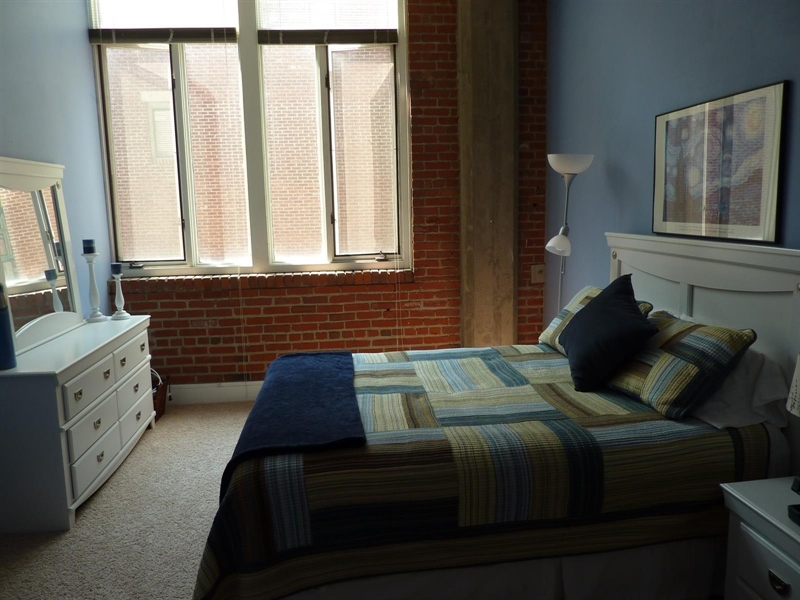 Real Estate Photography - 430 N Park Ave, Apt 103, Indianapolis, IN, 46202 - Location 19