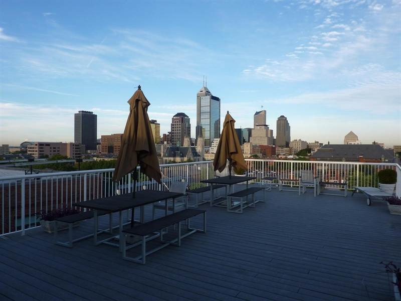 Real Estate Photography - 430 N Park Ave, Apt 103, Indianapolis, IN, 46202 - Location 22