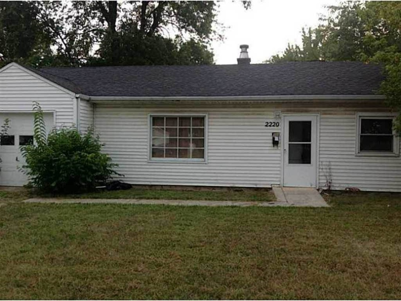 Real Estate Photography - 2220 N Webster Ave, Indianapolis, IN, 46219 - Location 1