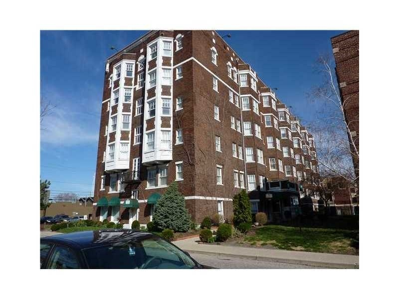 Real Estate Photography - 230 E 9th St, Apt 514, Indianapolis, IN, 46204 - Location 1