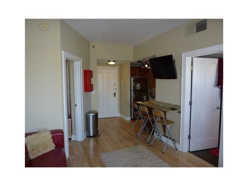 Real Estate Photography - 230 E 9th St, Apt 514, Indianapolis, IN, 46204 - Location 5