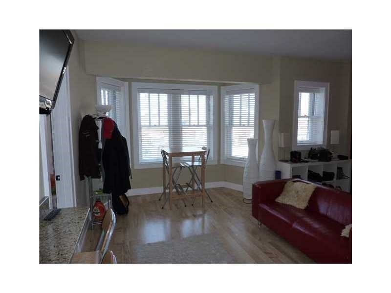 Real Estate Photography - 230 E 9th St, Apt 514, Indianapolis, IN, 46204 - Location 6