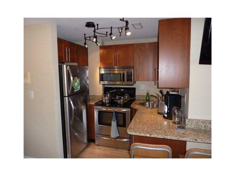 Real Estate Photography - 230 E 9th St, Apt 514, Indianapolis, IN, 46204 - Location 8