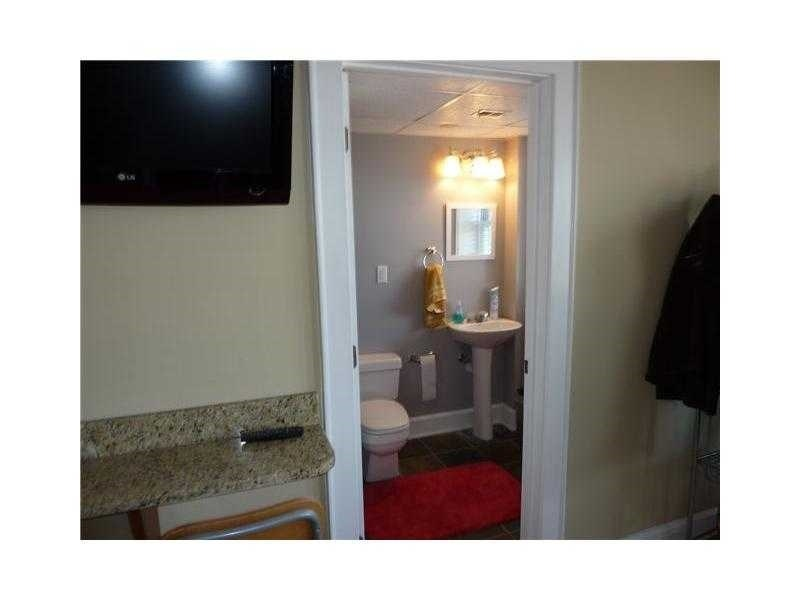 Real Estate Photography - 230 E 9th St, Apt 514, Indianapolis, IN, 46204 - Location 15