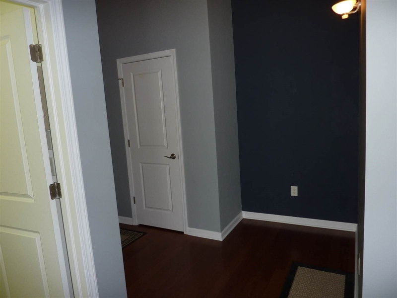 Real Estate Photography - 630 N College Ave, Apt 206, Indianapolis, IN, 46204 - Location 6