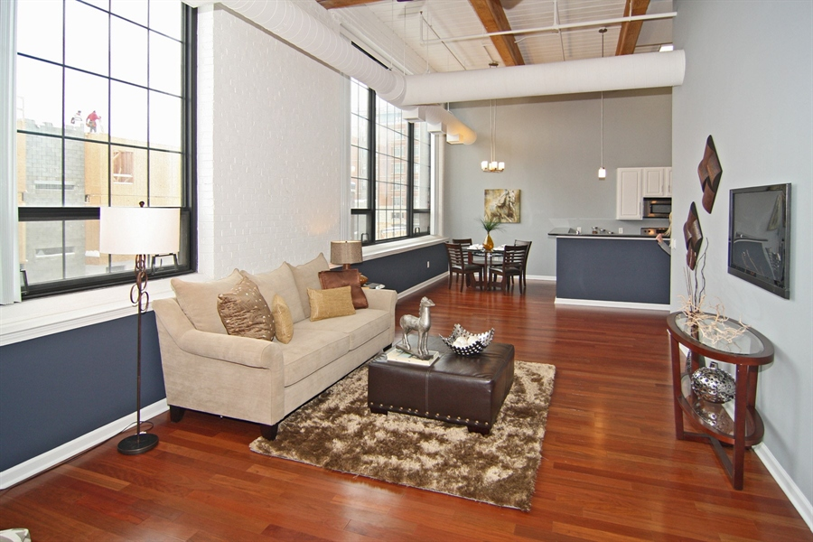 Real Estate Photography - 630 N College Ave, Apt 206, Indianapolis, IN, 46204 - Location 10
