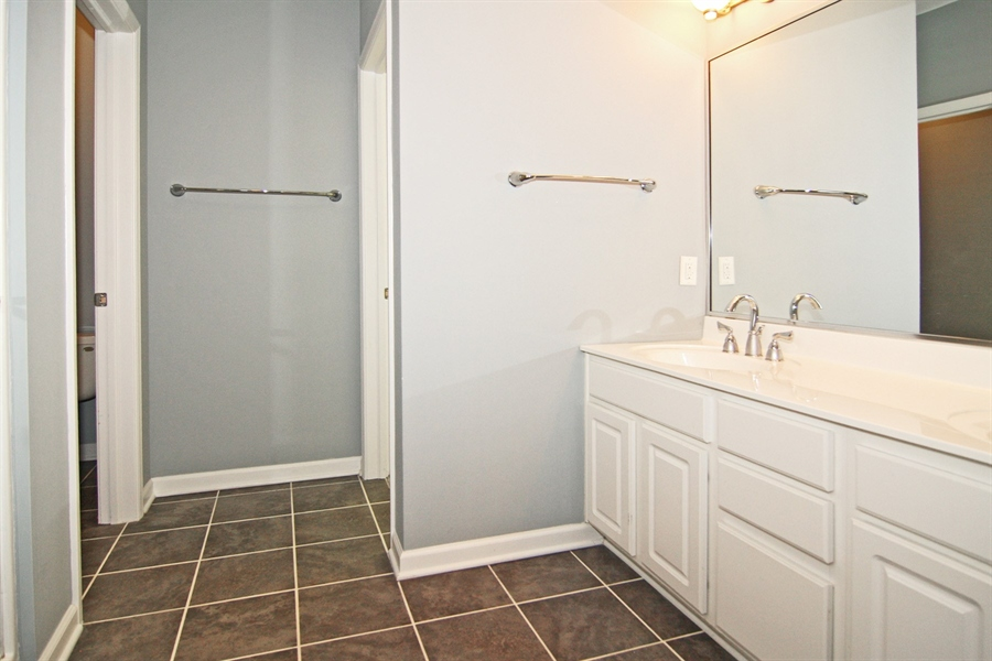 Real Estate Photography - 630 N College Ave, Apt 206, Indianapolis, IN, 46204 - Location 25
