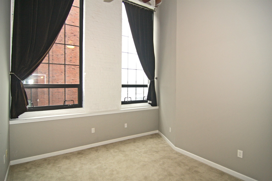 Real Estate Photography - 630 N College Ave, Apt 206, Indianapolis, IN, 46204 - Location 28