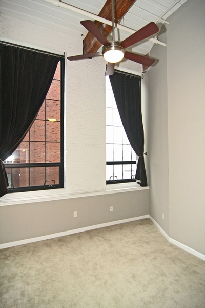 Real Estate Photography - 630 N College Ave, Apt 206, Indianapolis, IN, 46204 - Location 29