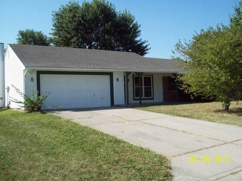 Real Estate Photography - 8129 Summertree Ct, Indianapolis, IN, 46256 - Location 1