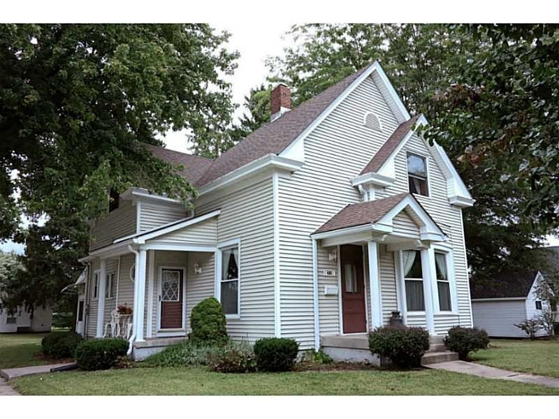 Real Estate Photography - 401 S Market St, Thorntown, IN, 46071 - Location 1