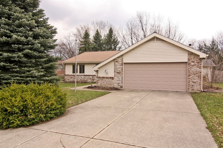 Real Estate Photography - 8302 Picadilly Ln, Indianapolis, IN, 46256 - Location 2