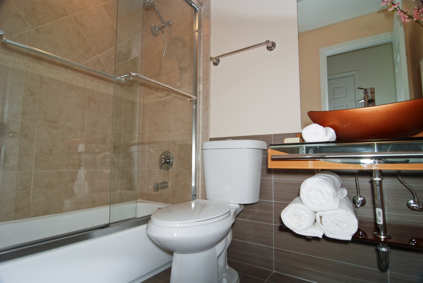 Real Estate Photography - 2805 N 75th Ct, Unit 1B, Elmwood Park, IL, 60707 - Bathroom