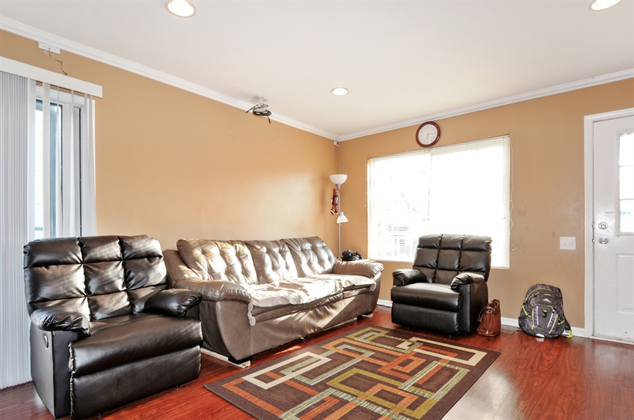Real Estate Photography - 311 Bunker Hill, Aurora, IL, 60504 - Family Room