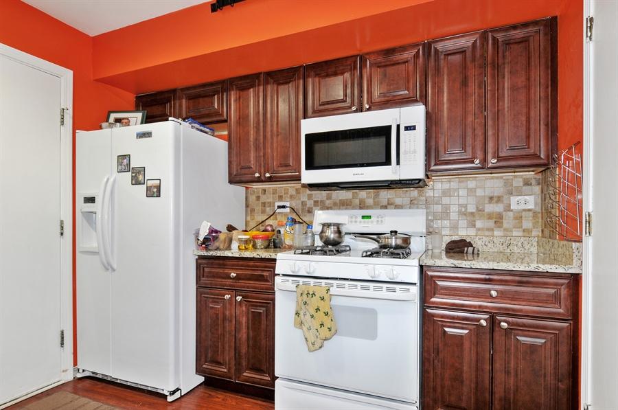 Real Estate Photography - 311 Bunker Hill, Aurora, IL, 60504 - Kitchen