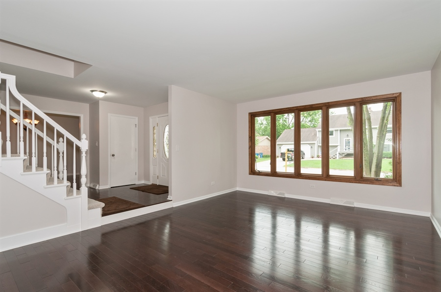 Real Estate Photography - 2868 Valley Forge Rd, Lisle, IL, 60532 - Living Room