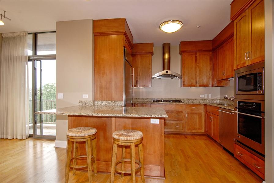 Real Estate Photography - 520 S Washington, Unit 501, Naperville, IL, 60540 - Kitchen / Breakfast Room
