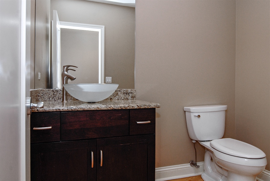 Real Estate Photography - 520 S Washington, Unit 501, Naperville, IL, 60540 - Bathroom
