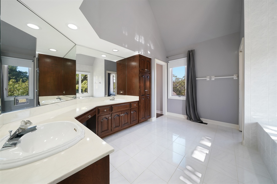 Real Estate Photography - 29 Tartan Lakes Way, Westmont, IL, 60559 - Master Bathroom