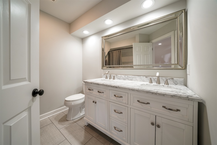Real Estate Photography - 29 Tartan Lakes Way, Westmont, IL, 60559 - 2nd Bathroom