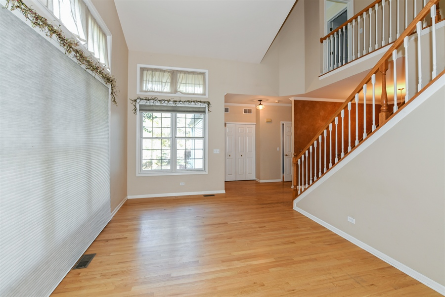 Real Estate Photography - 544 Harlowe Ln, 544, Naperville, IL, 60565 - Foyer/Living Room