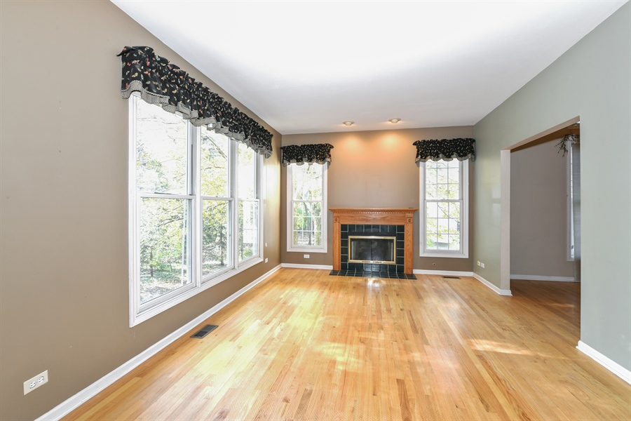 Real Estate Photography - 544 Harlowe Ln, 544, Naperville, IL, 60565 - Family Room